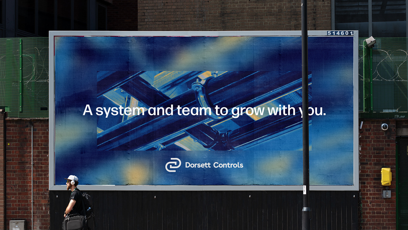 Image may contain: building, screenshot and billboard