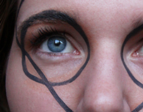 Graphic Lines - Make-Up
