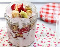 Fruits, yogurt and granola