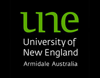 'Welcome to UNE' app design