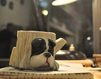 Paul the Bull Dog (cellphone/card stand)