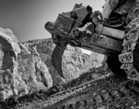 Toxic Red Mud Sludge hits Hungary, Kolontar