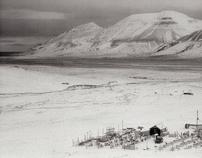 78°45′N 16°00′E - Longyearbyen.