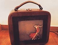 Tango Suitcase Lamp
