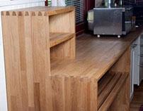 Keittiön apupöytä (kitchen sidetable)