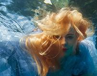 Flora Garamvolgyi (fashion underwater)