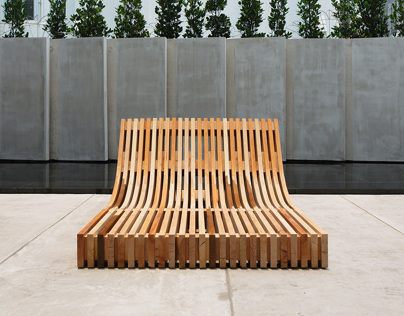 The People's Bench — 坐人